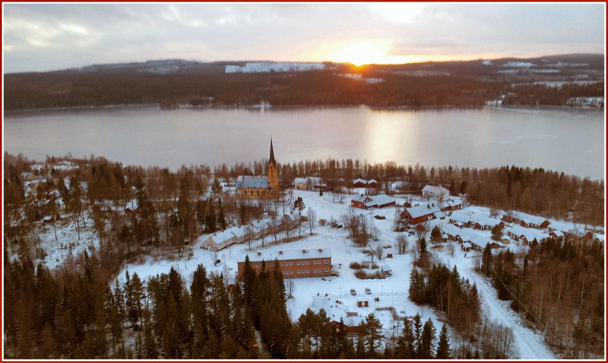 Frohe Weihnachten wünscht Holmbygdens Entwicklung, HBU.