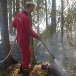 Part-time Firefighter Jonas Engman after leaking on the island in the Nortjärnsgårdarna i Vike.